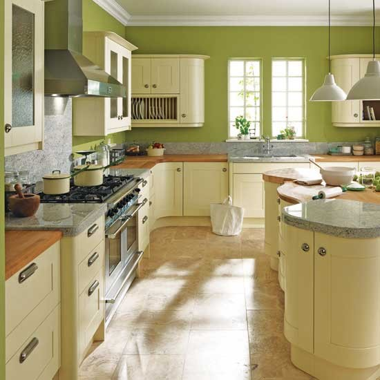 5 amazing kitchen color ideas to spice up your kitchen for Cream kitchen paint ideas